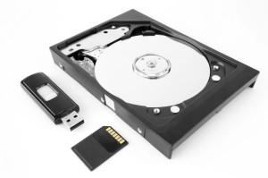 recupero-dati-cancellati-da-cellulare-sim-pendrive-hard-disk
